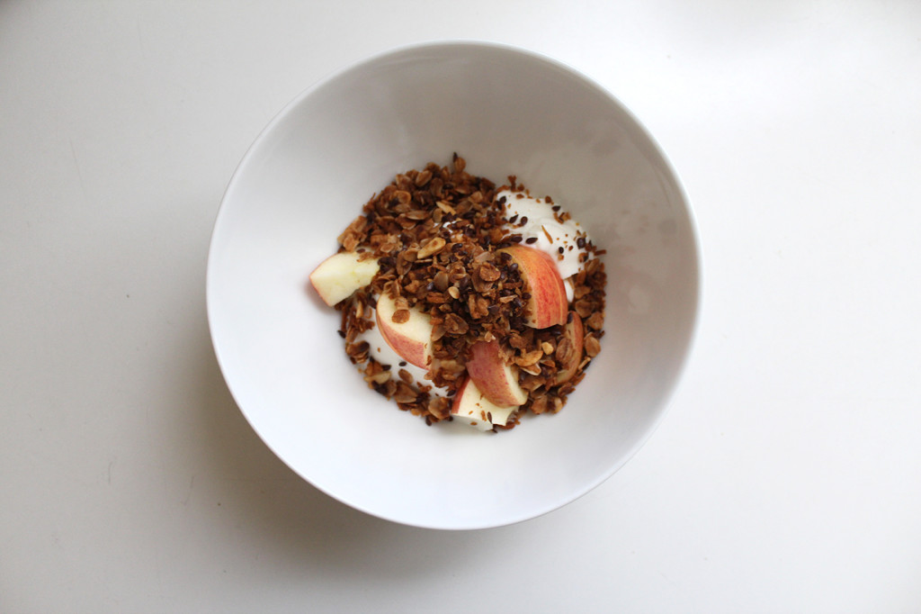 bowl_with_granola