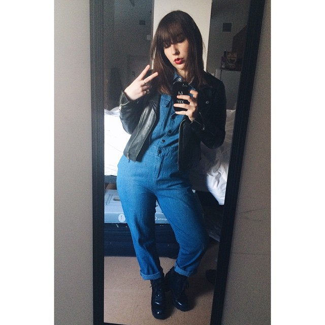 Hey girl, I wore this denim jumpsuit just for you, girl #lamodedujour #denim #leather #favs